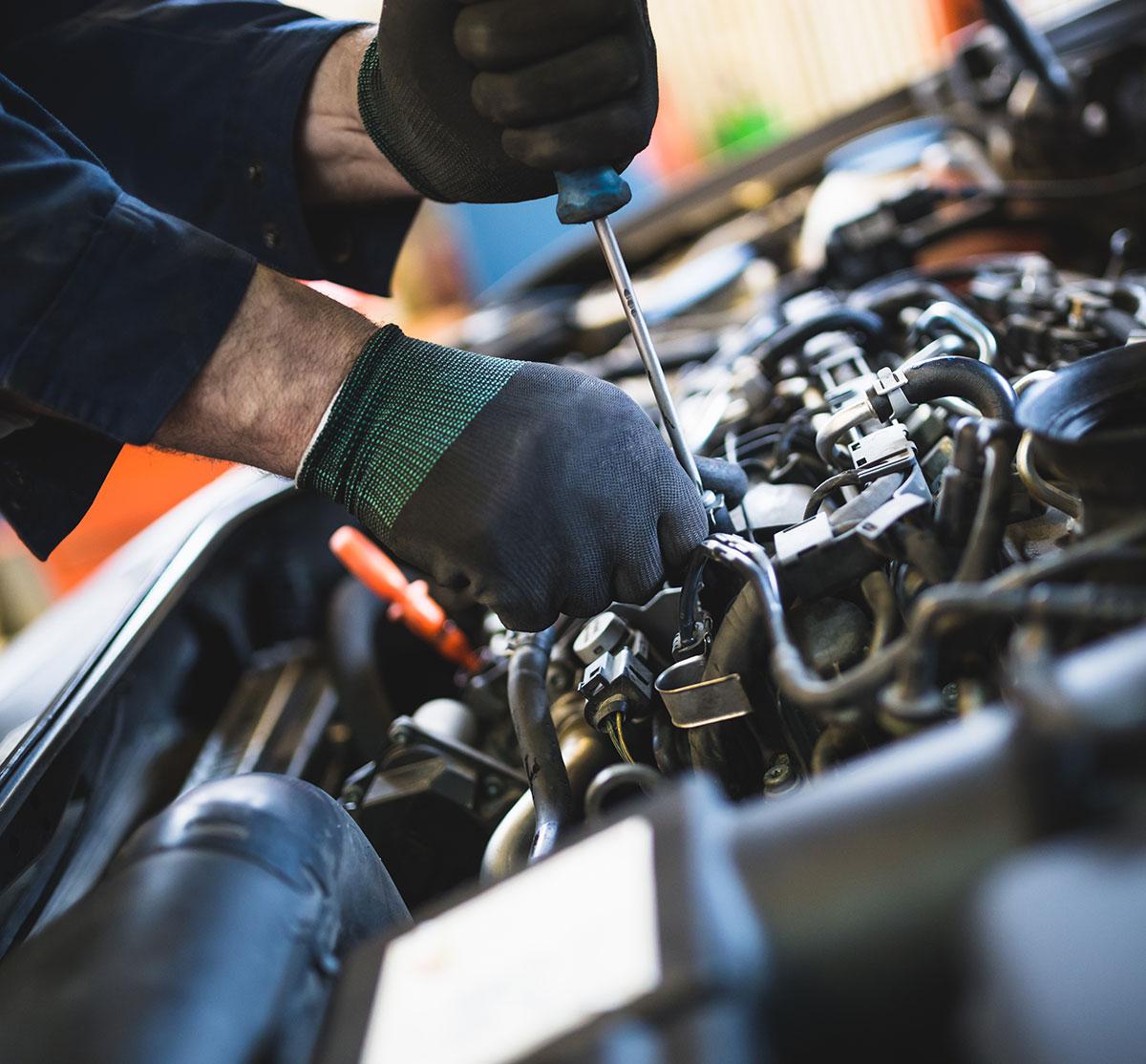 Truck Center Süd: Reparatur, Wartung und Service diverser Maschinen